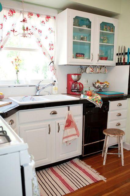 Beyaz - Siyah Mutfak