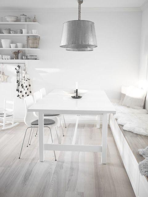 Beyaz Yemek Odası