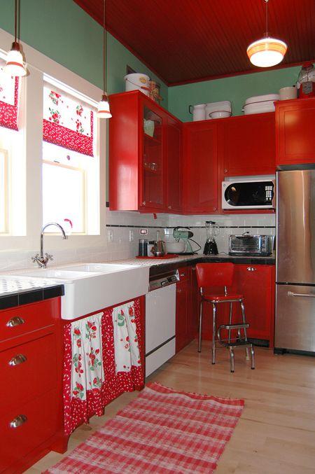 Kırmızı Mutfak Tasarımı
