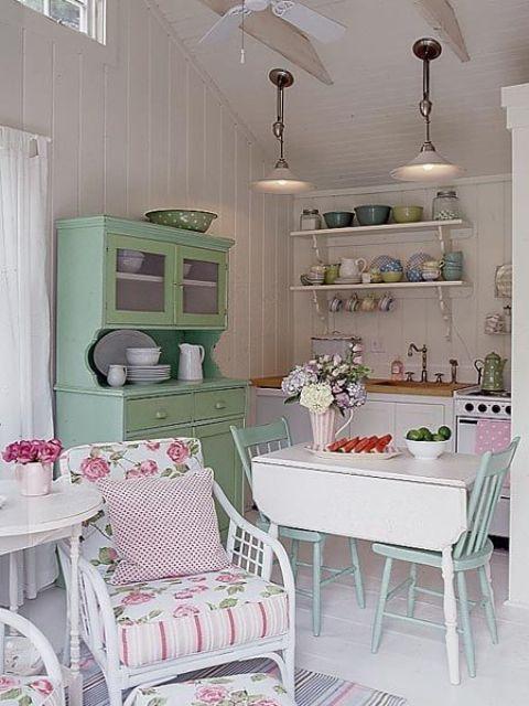 Pembe Mutfak Tasarımı