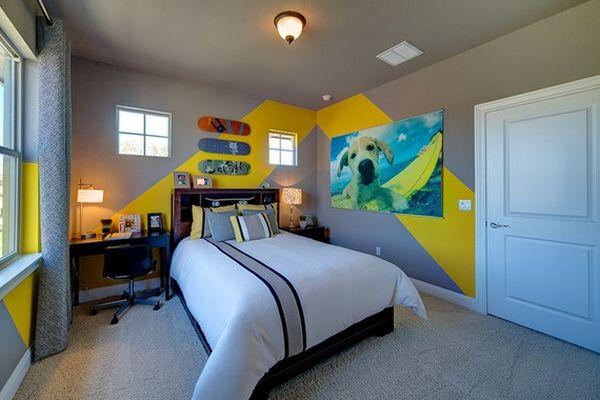 Sarı Çizgiler Duvarı Boyamak