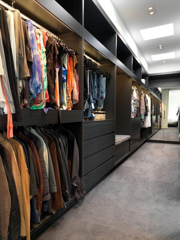 Siyah Giysi Odası